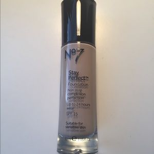 Other - NEW No 7 Stay Perfect foundation